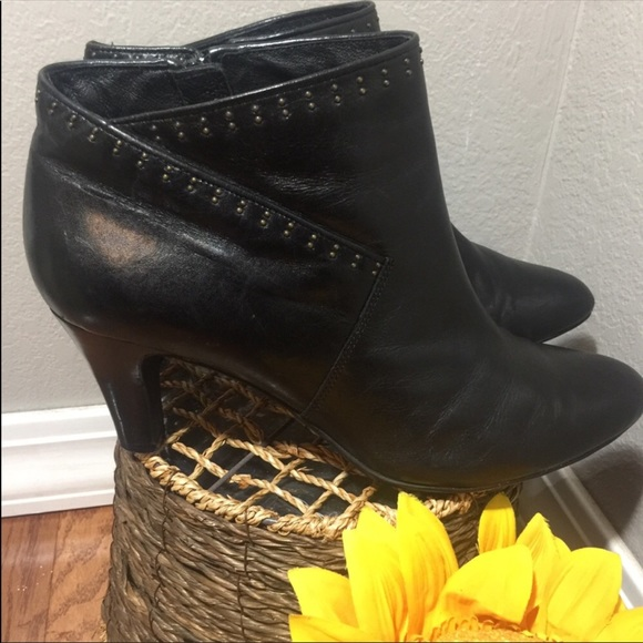 Clarks Shoes - Clark's Artisan Black Leather Heeled Ankle Boots
